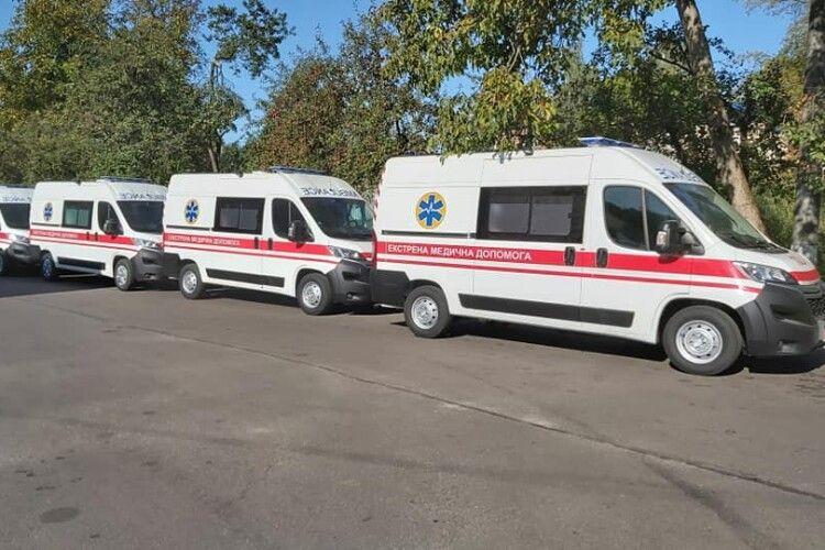 Волинь отримала новенькі медичні автомобілі (Фото)