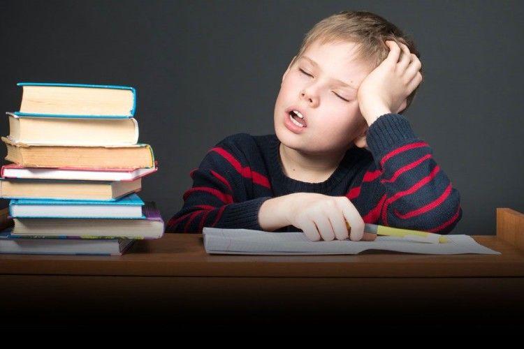 «Коли мені кажуть: «Я свого сина у2роки почав учити читати», відповідаю: «Ну ідурень!»