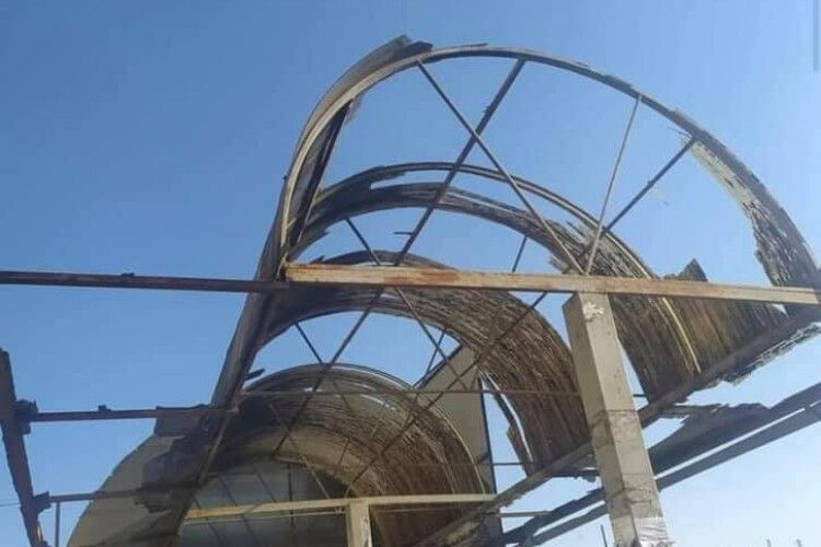 Мер Ковеля не буде продовжувати договір із підприємцем, який відмовляється ремонтувати дах над зупинкою