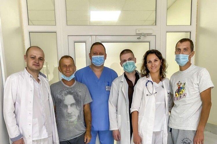 Ковельські хірурги зробили чергову родинну трансплантацію