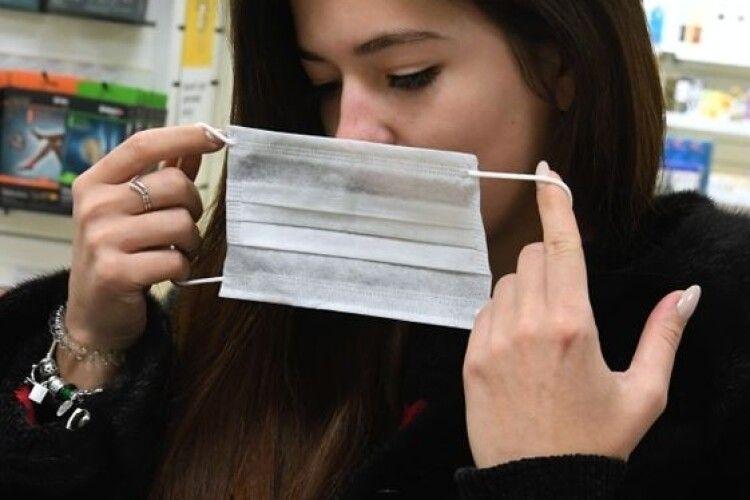 В Україні по-новому будуть штрафувати за маски: «слуги» ухвалили законопроєкт