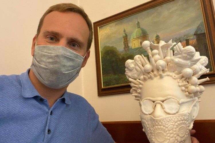 Легка форма коронавірусу: лікар назвав симптоми