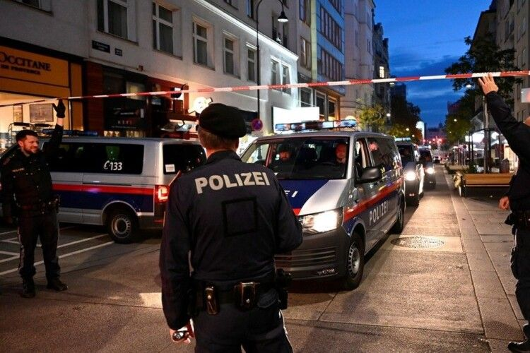 Волинянин опинився в епіцентрі теракту у Відні