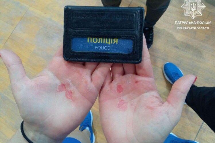 Патрульна із Сарн ціною кров'яних мозолів виборола «золото» на Чемпіонаті України з гирьового спорту (Фото)