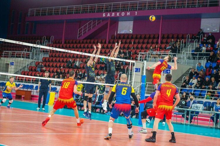 Волейбол: Як Україна в Запоріжжі переграла Румунію (Фото)