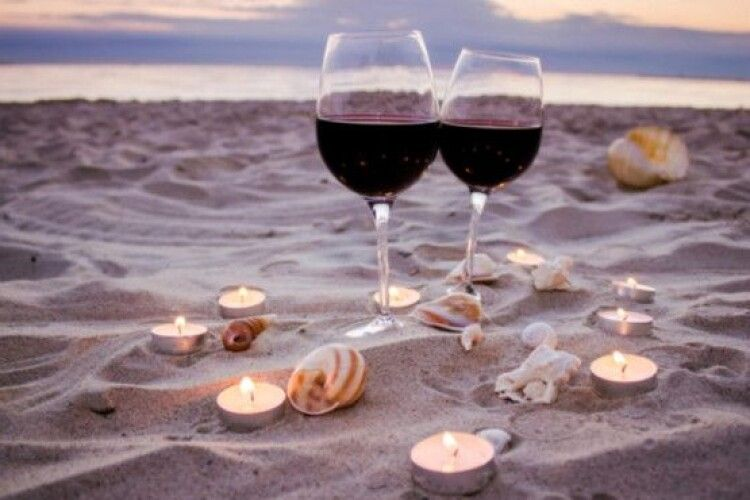 Винороб зберігає вино на дні моря, щоб надати унікального смаку