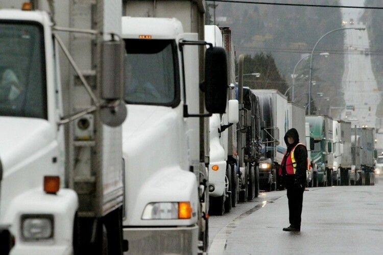 Угорщина надала українським вантажоперевізникам 900 додаткових транзитних дозволів