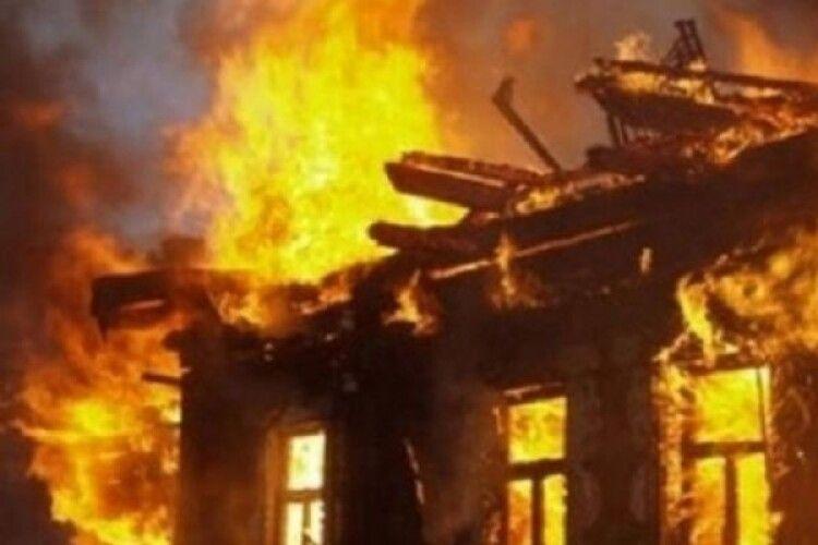 На Маневиччині 49-річний чоловік згорів живцем через необережність