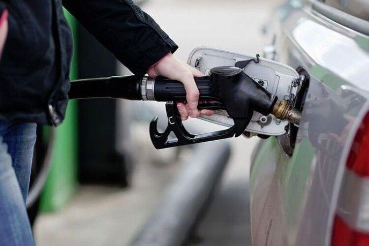 За продаж неякісного пального пропонують ув'язнювати на 15 років