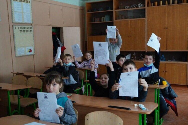 У Журавичах школярів вчили берегти журавлів та малювати зубрів (Фото)