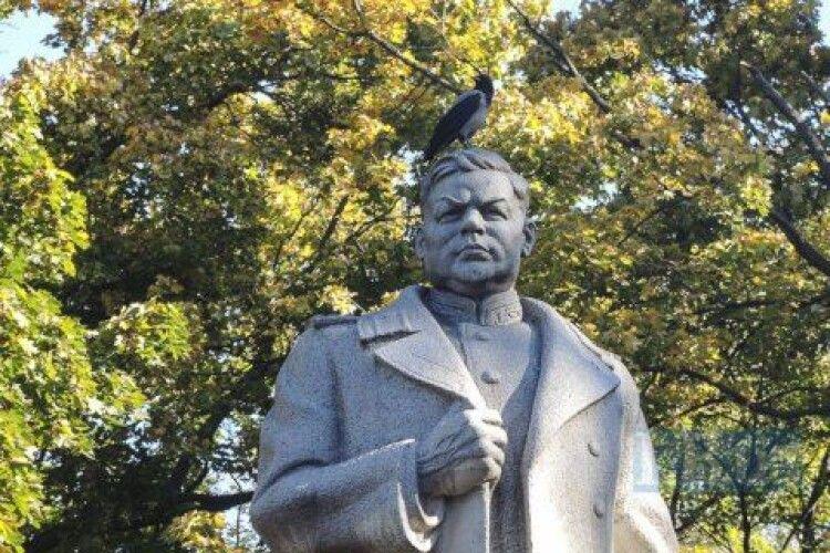 Петиція про демонтаж пам'ятника Ватутіну в Києві зібрала 10 тисяч голосів