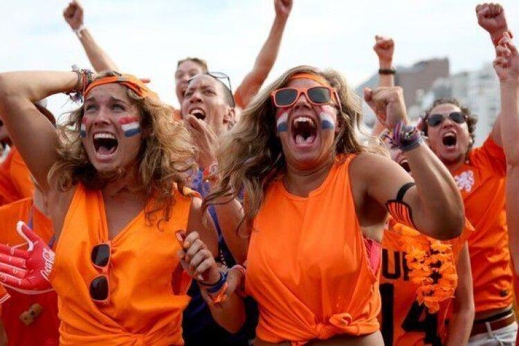 Нідерланди офіційно дозволили жінкам виступати разом з чоловіками в аматорських командах