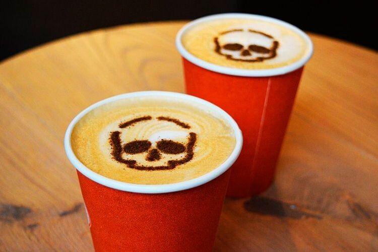 Як на автовокзалі уРівному пригощають кавою, апотім грабують