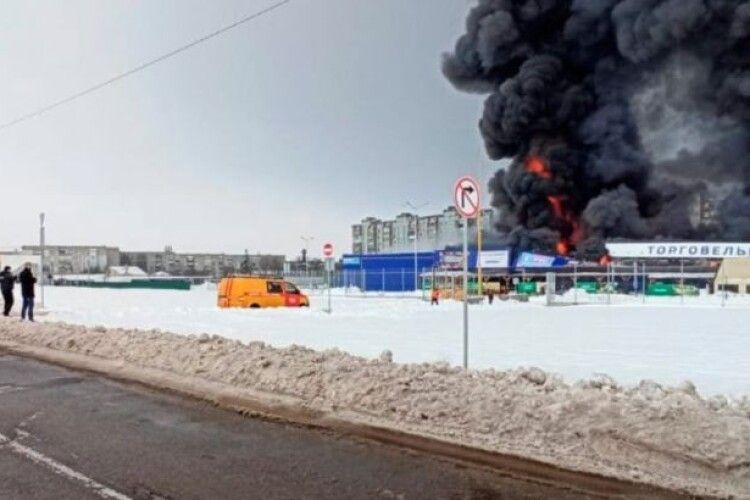 Пожежа в «Епіцентрі»: палій напав на охоронців з сокирою