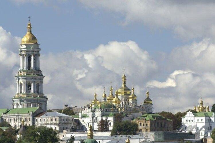 Ірина Фріз: «Російський «гумконвой» у Києво-Печерську Лавру – це спецоперація Кремля «вовк в овечій шкурі»