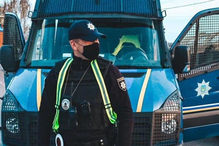 «Вміст алкоголю у повітрі, що видихалося, перевищував норму у 16 разів» – волинські патрульні про водія (Відео)
