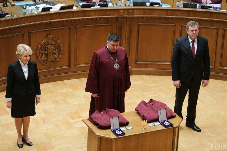 Скандальний голова Конституційного суду Тупицький отримав повістку про виклик до Офісу генпрокурора