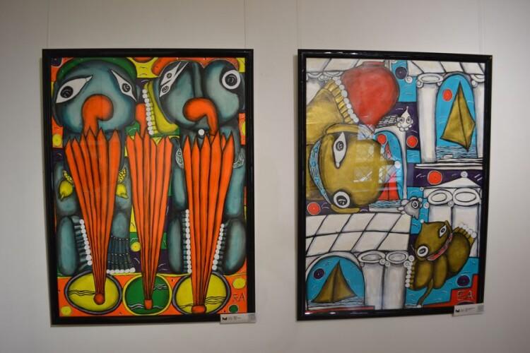 """""""Друзі"""". 2002 (ліворуч) і """"Міський пейзаж"""" (праворуч)."""