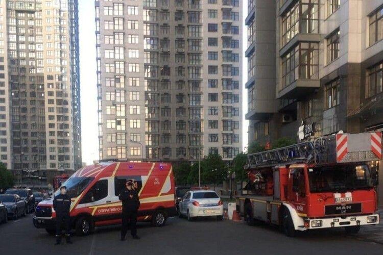 У Києві горіла лазня, розміщена... на 20 поверсі хмародряпа