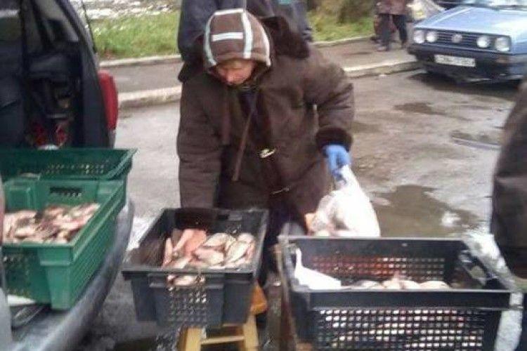 Рибою сумнівної якості торгували... на території госпіталя