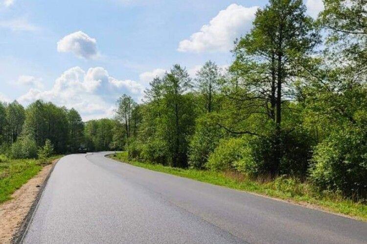 До Шацьких озер відновили 9 кілометрів дороги