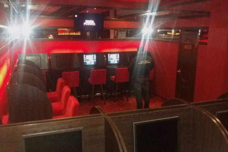 У «бурштинових районах» Рівненщини та Житомирщини «накрили» три підпільних казино (фото)