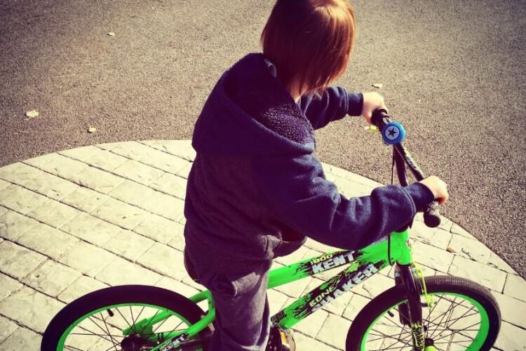 8-річний велосипедист потрапив під колеса жигулів
