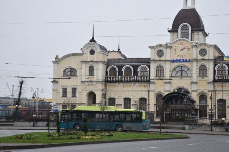 Завтра у Луцьку на маршрути виїдуть ще три нові автобуси (Фото)