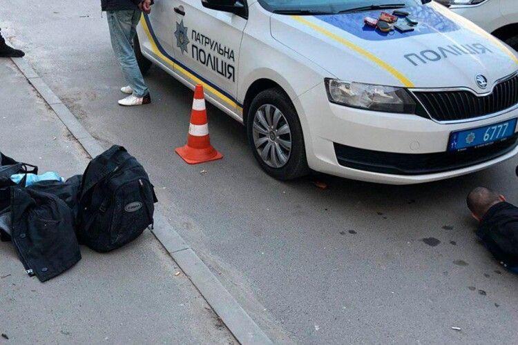 У Луцьку озброєні молодики чинили непокору патрульним
