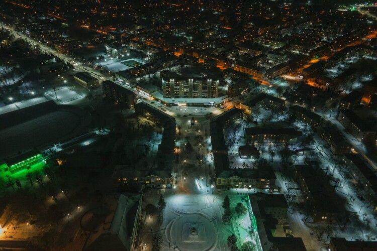 Волинське місто сфотографували вночі з висоти (Фото)