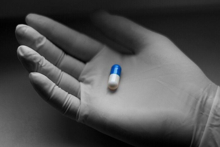 У США створили вакцину від COVID-19 у таблетках: її тестують на людях