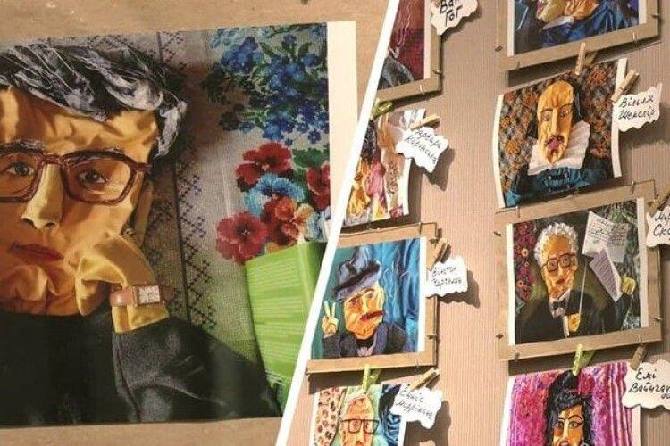 Жінка створює портрети з одягу: футболок, простирадел, навіть шкарпеток