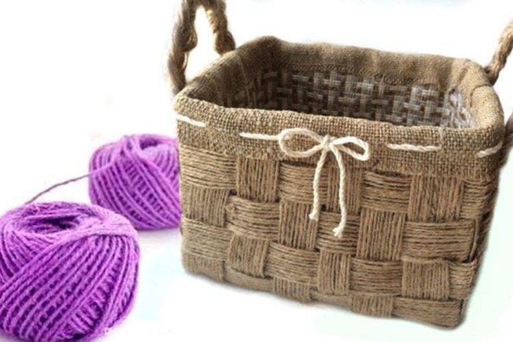 Стильний плетений кошик— окраса інтер'єру
