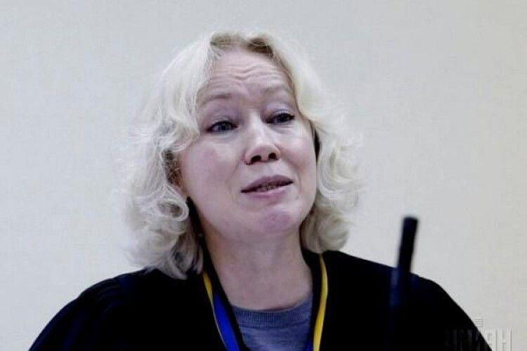Одіозна суддя Волкова, яка загратувала генерала Павловського, у 2014-ому відпустила командира «чорної роти «Беркута»