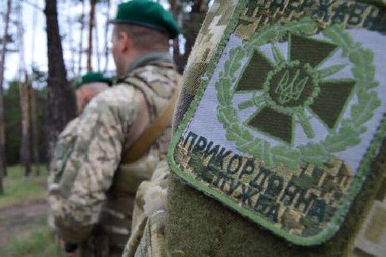 На кордоні з Румунією знайшли застреленим українського прикордонника