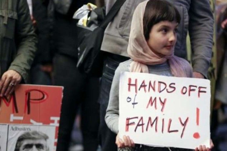 Для зниження нелегальної міграції у США мають намір розділяти матерів і дітей