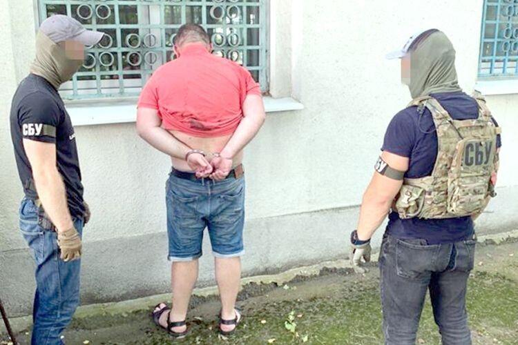 У Рівному наркоторговці відстрілювалися від правоохоронців