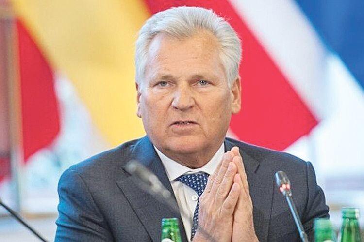 Наче повернулися часи Януковича: колишній президент Польщі шокований діями Зеленського