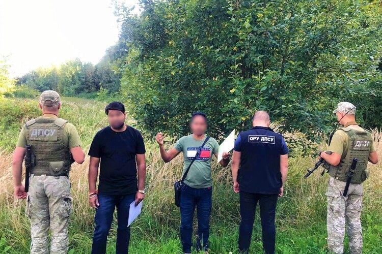 Індуси, турки та сенегалці: на Львівщині затримали іноземців, які намагалися незаконно потрапити у ЄС (Фото)