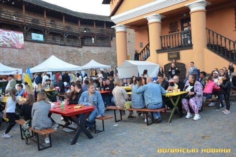 Що їли лучани на першому дні фестивалю їжі (Фото)