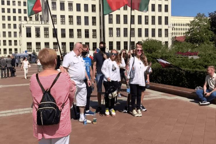«Давіть майданутих» вже зібралися у Білорусі, бо «ОМОН ето класниє рєбята» (Відео)
