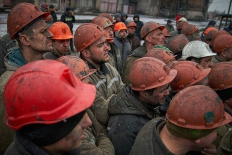 Нововолинські шахтарі – із зарплатою. Але не всі