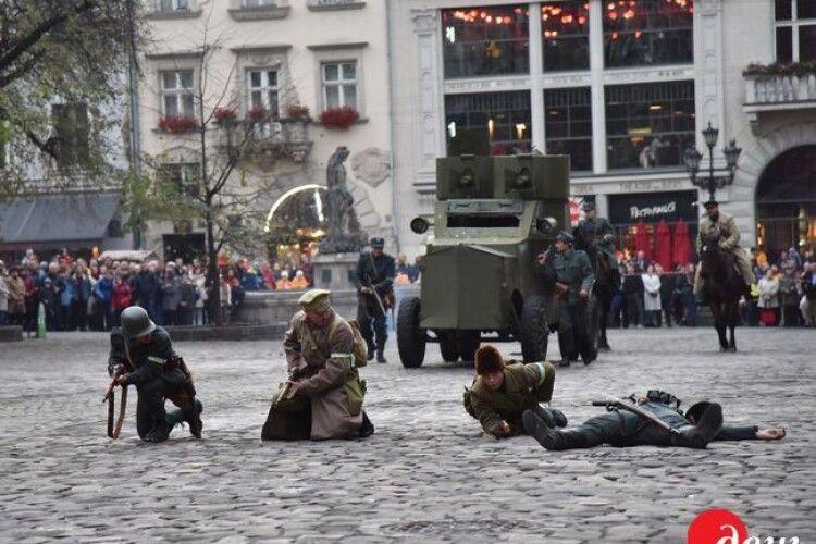 У Львові відтворили сторічний бій за місто між українцями та поляками