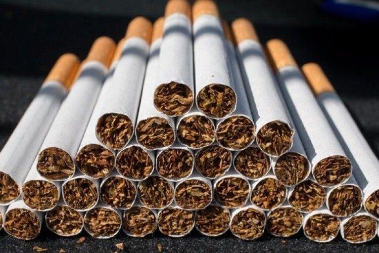 Волинянин перевозив через кордон цигарок на 11 мільйонів гривень