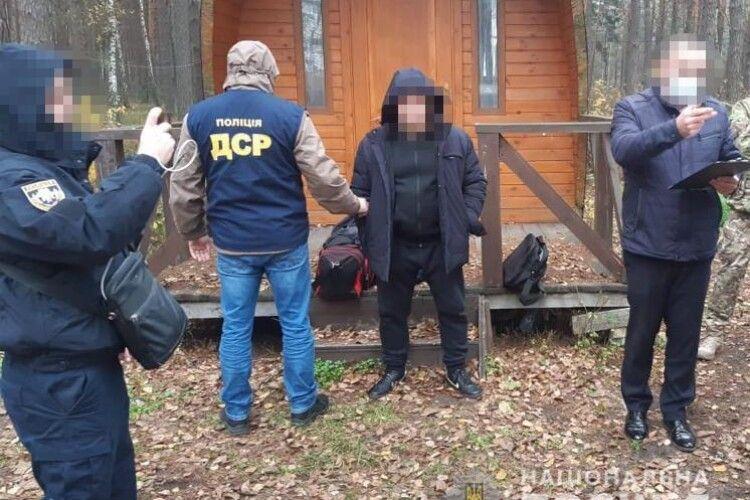 Поліція затримала двох кримінальних авторитетів на Рівненщині (Фото)