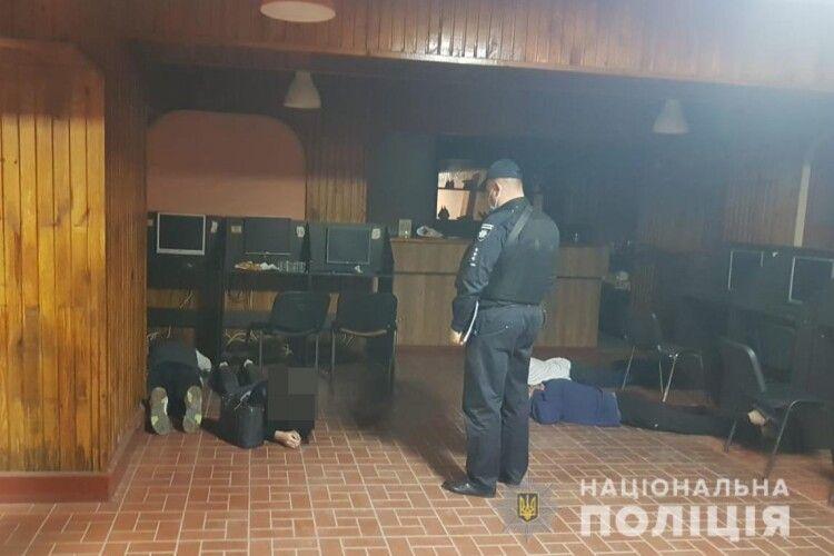 У Луцьку поліцейські припинили незаконну діяльність грального закладу