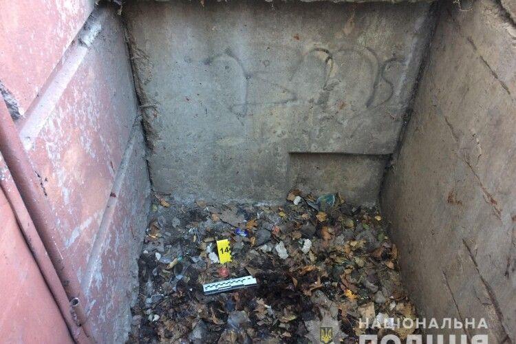 У Харкові 31-літній рецидивіст посеред вулиці напав на 72-річну жінку та зґвалтував її