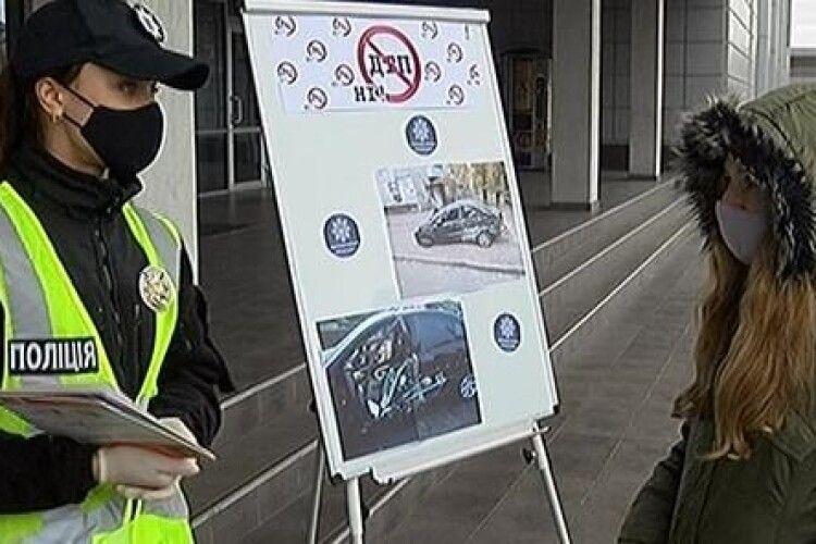 Страшні фото з аварій побачить багато людей: патрульні підготували експресивну фотовиставку