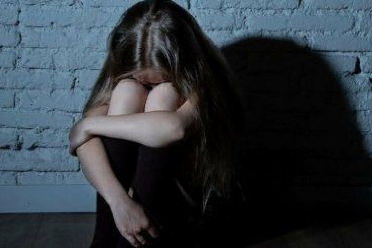 Ґвалтівник 10-річної падчерки сидітиме в тюрмі довічно