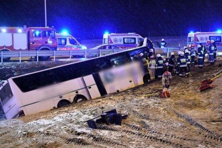 «На тому ж місці, у той же час»: у Польщі потрапив в аварію український автобус